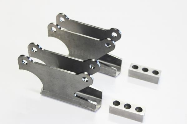 REAR 4 BAR DIFF BRACKETS SUIT PARALLEL READY TO WELD SOLD AS A PAIR
