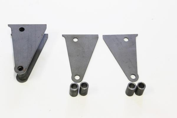 A MODEL REAR 4 BAR DIFF BRACKETS SUIT PARALLEL READY TO WELD SOLD AS A PAIR