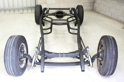 1932 FORD COMPLETE ROLLING CHASSIS ASSEMBLED