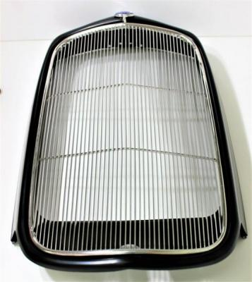 1932 FORD STELL GRILLE SHEEL W/ STAINLESS GRILLE INSERT
